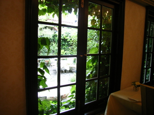 02.ガーデンアネックスの窓